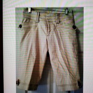 Cache Bermuda Shorts Size 2